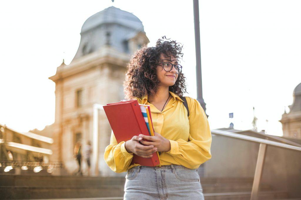 universidades para estudiar post grado o maestria en españa